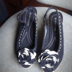 Naturalizer fun bow sandals